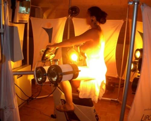 woman exercise light therapy for weight loss